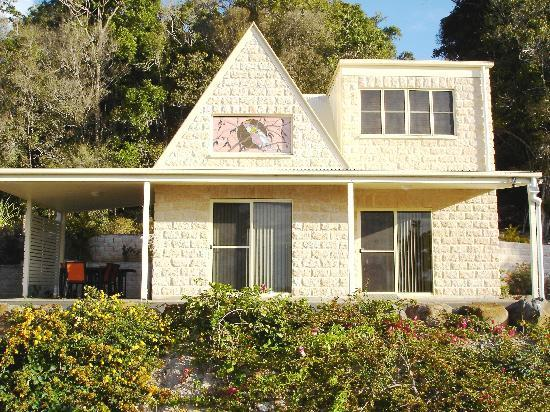 Cooroy Country Cottages : Cooroora 3 bedroom Cottage