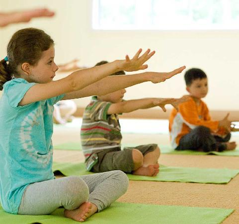 Mangrove Yoga Ashram: Family friendly yoga