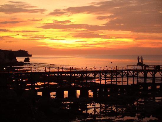 AYANA Resort and Spa Bali: Sunset from Rock Bar