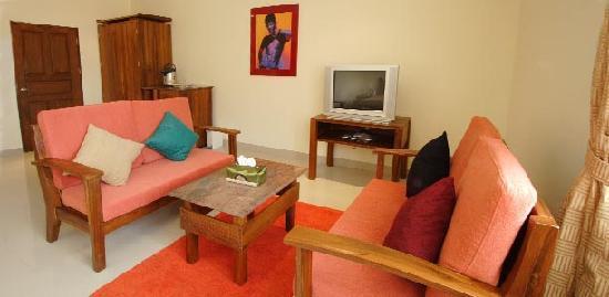 Sansuk Guesthouse : Room, sitting area