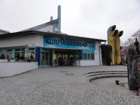 แอมเบิร์ก, เยอรมนี: The Kurfurstenbad baths.