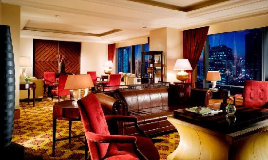 The Ritz-Carlton Jakarta, Mega Kuningan: The Ritz-Carlton Club Lounge