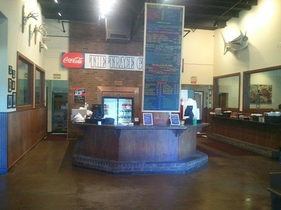 Trace Grill : front foyer and counter order area