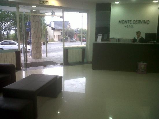 Hotel Monte Cervino: recepción y hall