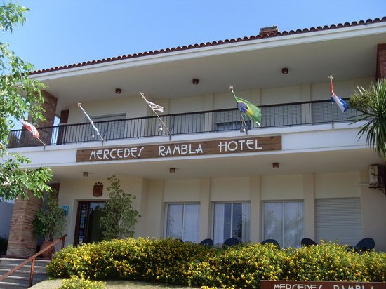 Mercedes, Uruguay: The hotel frontage