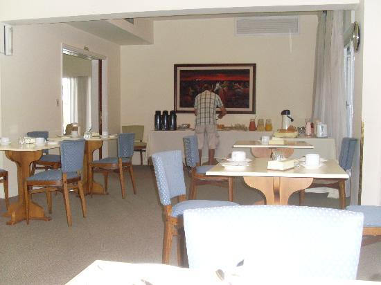 Mercedes Rambla Hotel : Dining room before noisy guests arrived