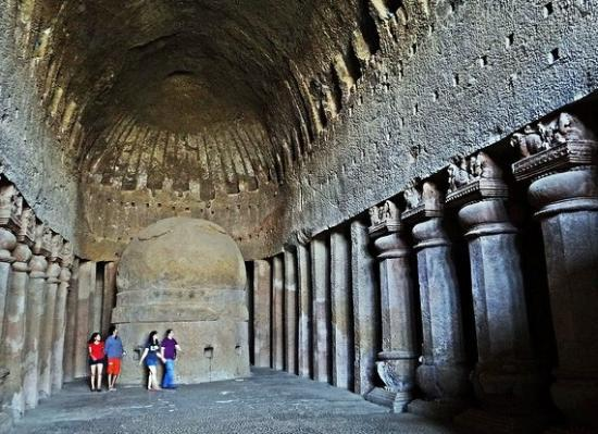 Kanheri Caves: Chaitya Hall at Cave No.3