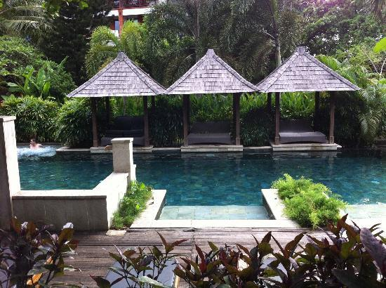 Bali Garden Beach Resort: Back Pool - shaded cabanas