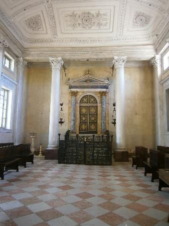Hotel Giulia Gonzaga: Sinagoga interior - Sabbioneta - Oct 9 2011