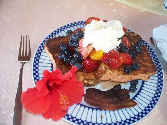 Aloha Guest House: Our breakfast on day 2