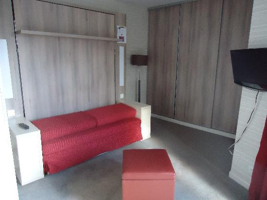Adagio City Aparthotel Montrouge: bed/ zetel