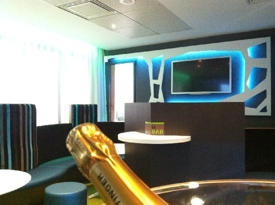holiday inn express arras hotel france voir les tarifs 64 avis et 129 photos. Black Bedroom Furniture Sets. Home Design Ideas