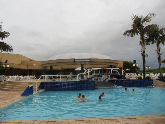 Mabu Thermas Grand Resort: Poolbereich-1