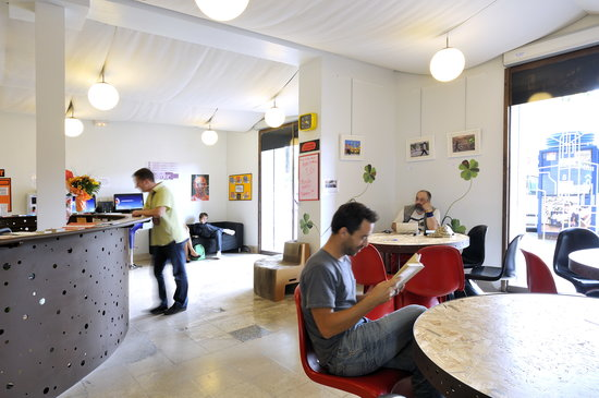 Equity Point Girona Hostel: Common areas