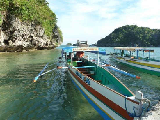 Ilocos Region, Filipiny: boats and island