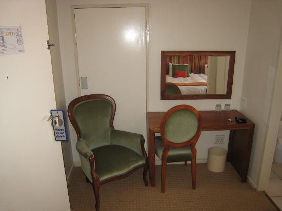 Lady Hamilton Hotel: Schreibtisch