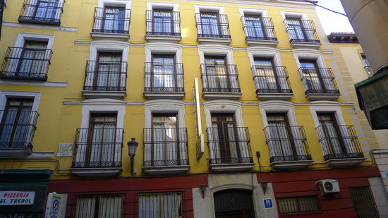 Equity Point Madrid Hostel: fassade
