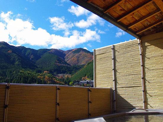 Gero Onsen Fugaku: 露天温泉 飛騨川を一望できる