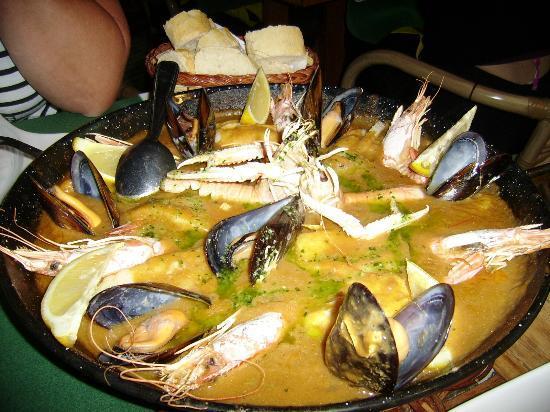 las Palmeras: le suquet est un plat de différents poissons, un vraie délice
