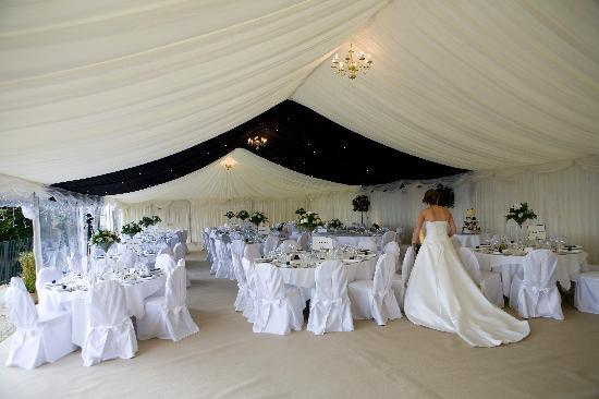 New House Country Hotel: The Marquee