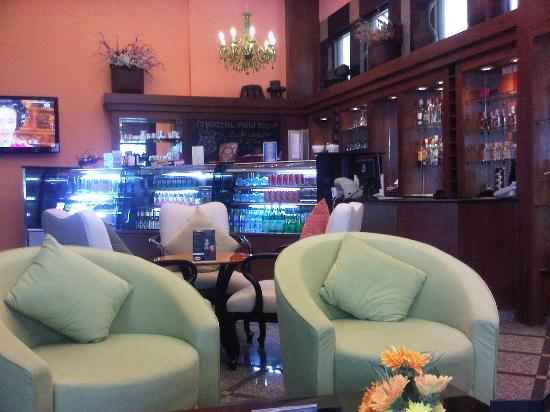 Chateau de Bangkok: cafe