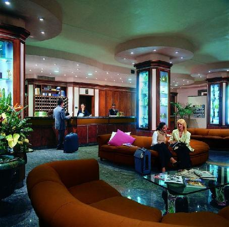 Best Western Grand Hotel Guinigi: hall