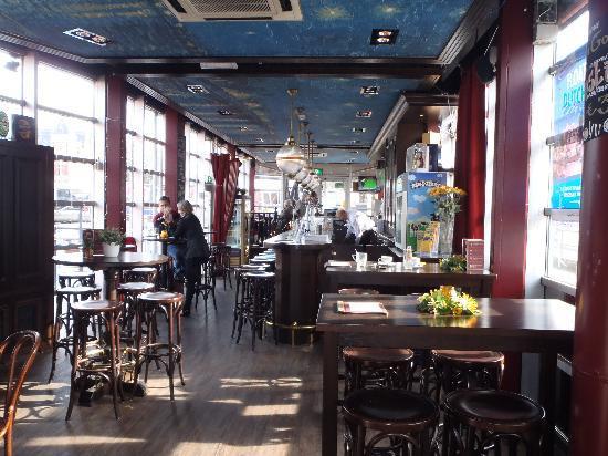 Van Gogh Cafe: Inside