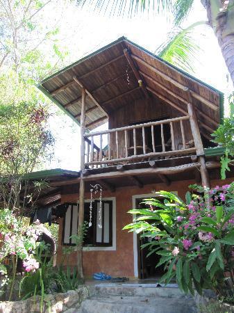 Pachamama Tropical Garden Lodge: Haus von vorne