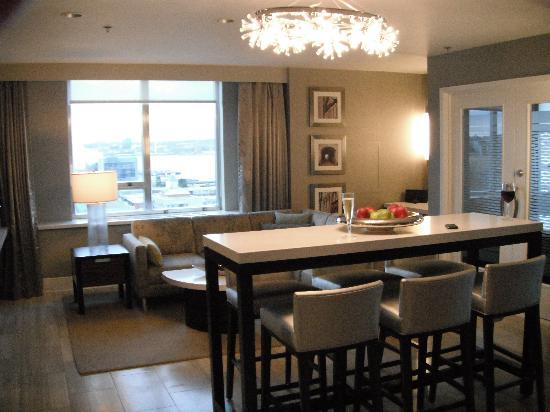The Westin Nova Scotian: Lounge area and bar, Crown Suite