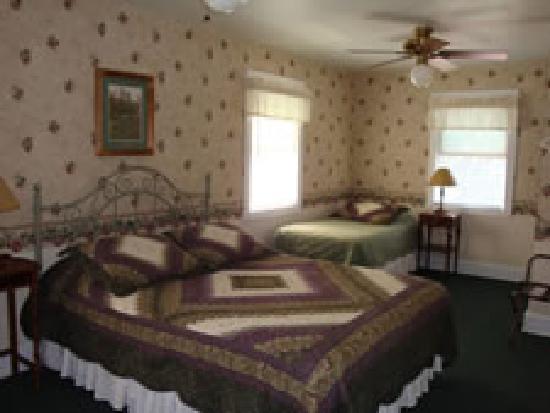 House on Huntington Lane B&B : Bedroom #3