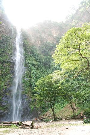 Hohoe, Ghana : Wli Falls