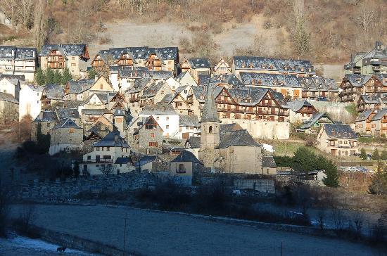 Hotel Spa Acevi Val d'Aran: VISTAS DESDE LA SUITE