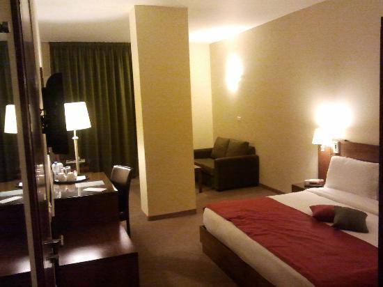 Cosmopolitan Hotel: Room