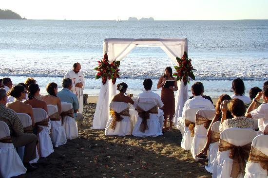 Bahia del Sol Beach Front Boutique Hotel: Wedding at the Beach