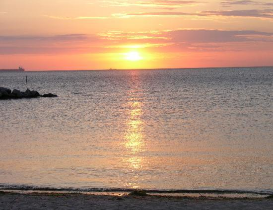 Cape Charles Beach: Sunsets to die for!