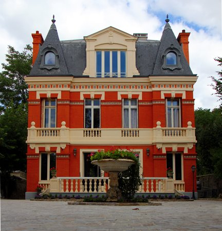 Le Vesinet, France : Villa La Riante