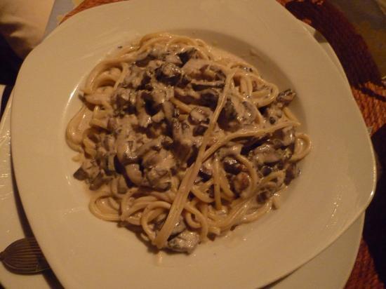 Rigoletto Restaurant: champiñones y gorgonzola