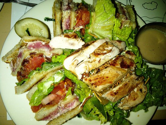 Fresco Valley Cafe : Seared Ahi Triple-Decker and HUGE Chinese Chicken Salad