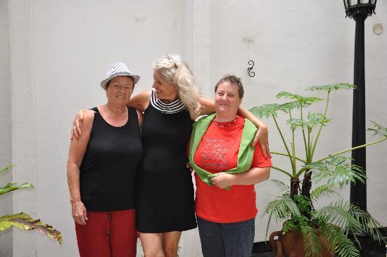 La Antigua Casa de Brigit: Madeleine,Brigit und Nena
