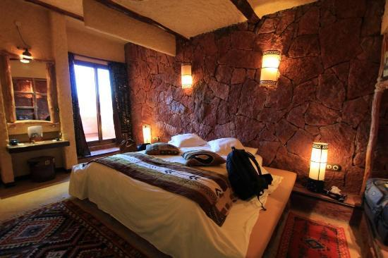Comfy bed picture of hotel xaluca dades boumalne dades for Comfy hotels resorts
