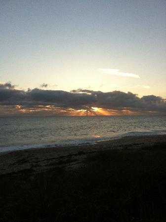 Seashell Suites Resort: Sunrise - don't miss it!