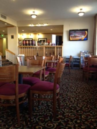 Baymont Inn & Suites Amarillo East: dining room
