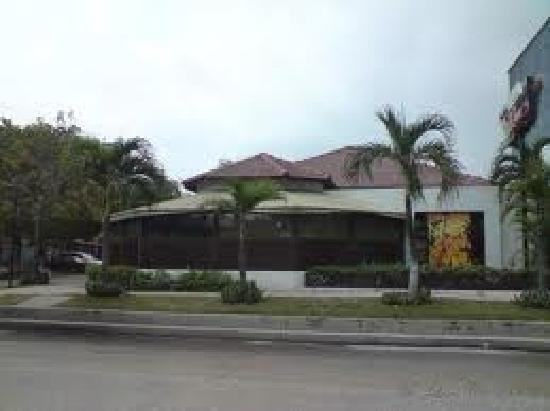 Bar Restaurante La Cueva: exterior
