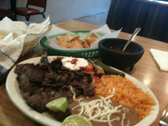 Taqueria Muniz: Grilled Marinated Skirt Steak @$10