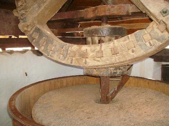 Centro de Artesania Molino de Antigua: Mühlstein und Antrieb