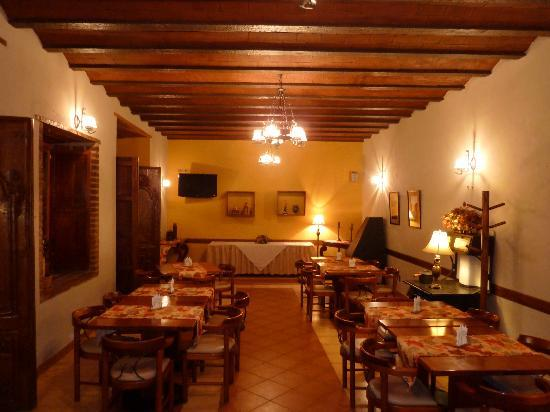 La Posada Restaurante: Indoor dining area