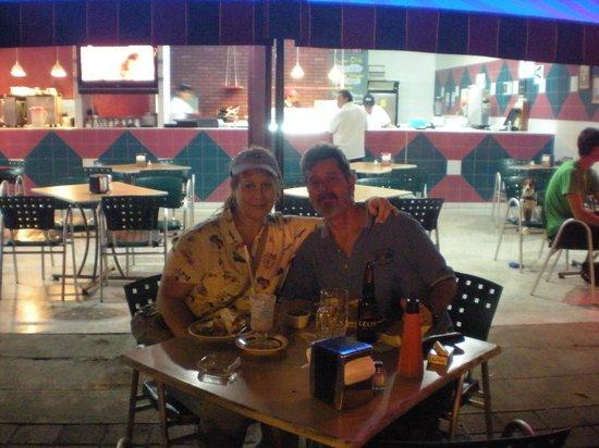 Cafeteria Impala: Tourists enjoying the view
