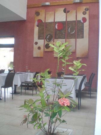 Hotel Boutique Roble Blanco: De donde se ve en la pagina el sillon se ve eso, cada espacio es una foto, excelente gusto!
