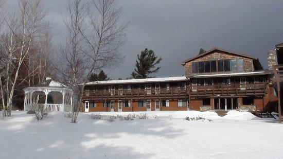Summit Lodge & Resort: Nice building