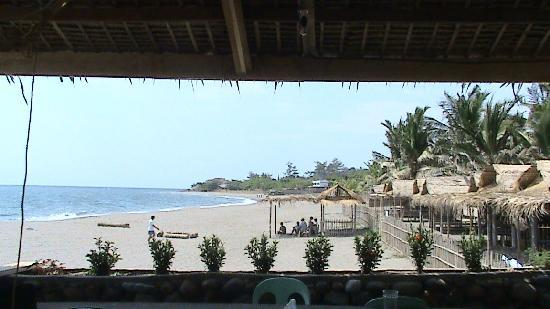 White Castle Beach Resort : Our cottages beside the swimmingpool